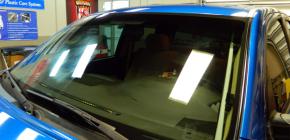 Полировка лобового стекла автомобиля от царапин
