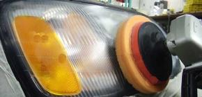 Как правильно полировать пластиковые фары автомобиля