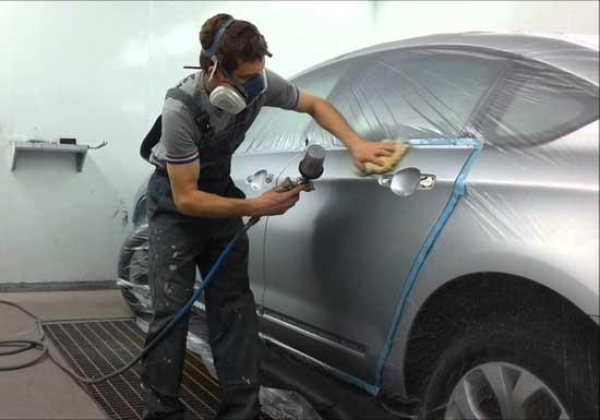 Обезжиривание является важным этапом подготовки автомобиля к покраске, от него зависит долговечность всего ЛКП.