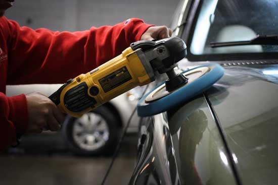 У полировки автомобиля есть свои правила, которые лучше не нарушать, и далее узнаем, что эти правила предписывают.