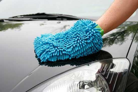 Узнаем далее, когда ручную полировку кузова автомобиля можно применить вместо машинной...