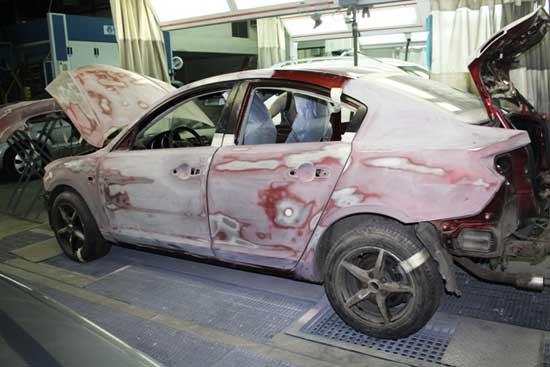 Если предстоит покраска автомобиля. то большую часть времени придется уделить подготовке, и дальше узнаем, как это делается...