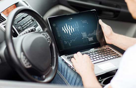 Прокачка мотора возможна даже без поднятия крышки капота, — все сделает ноутбук, который снимет ограничения ЭБУ, установленные производителем.
