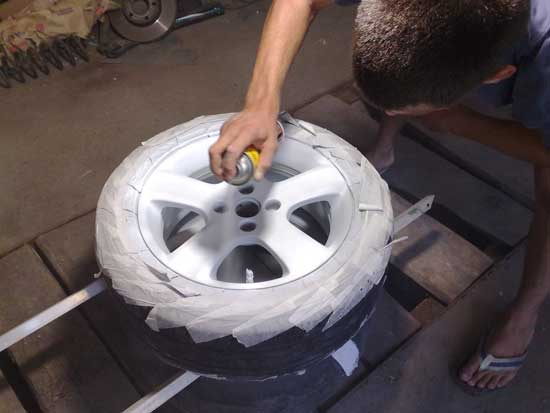 Как покрасить литые диски авто своими руками
