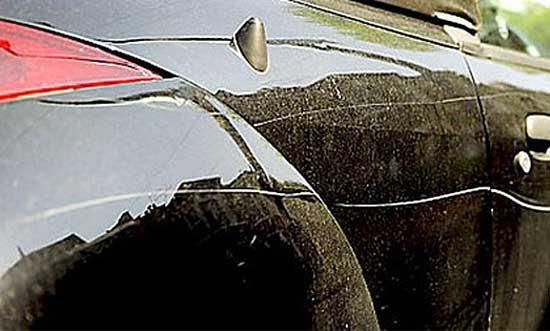 Покраска царапин на автомобиле — пожалуй, единственный приемлемый выход при большой глубине повреждений...