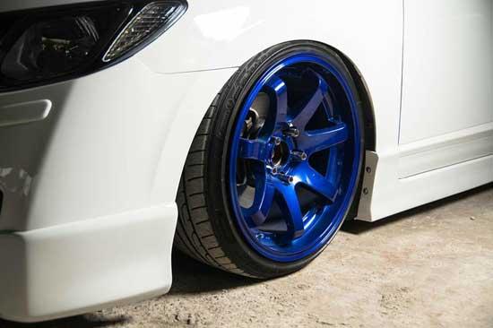 Покраска автомобильных дисков с помощью баллончика — весьма доступное средство тюнинга, но для получения приемлемого качества, необходимо соблюдать особую технологию...