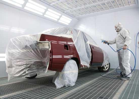 Качественная покраска кузова автомобиля зависит от квалификации мастера, но и самому автовладельцу полезно хотя бы в общих чертах разбираться в малярных технологиях...