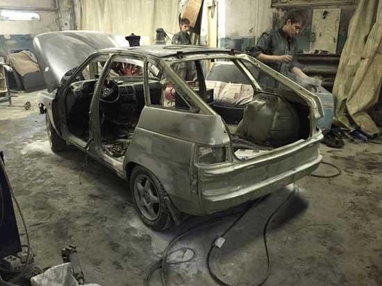 Давайте посмотрим, когда бывает нужна полная покраска кузова автомобиля и в каком порядке она выполняется.