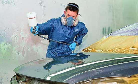 Чтобы покрасить автомобиль лаком, необходимо учесть целый ряд нюансов, основные из которых давайте рассмотрим подробнее...