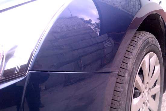 У владельцев автомобилей, покрашенных однотонной эмалью, всегда меньше проблем с подкрасами.