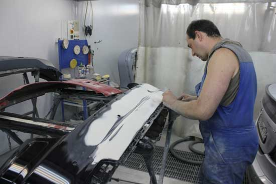 """Очень часто """"гаражные мастера"""" набираются опыта, официально работая на СТО."""