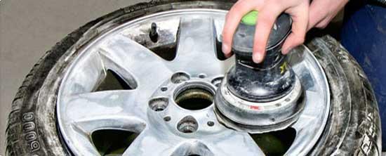 Легкосплавные диски имеют заводское покрытие, которое следует зачищать перед покраской