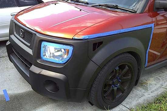 Выделение отдельных деталей кузова цветом и фактурой Пласти Дип преображает дизайн автомобиля
