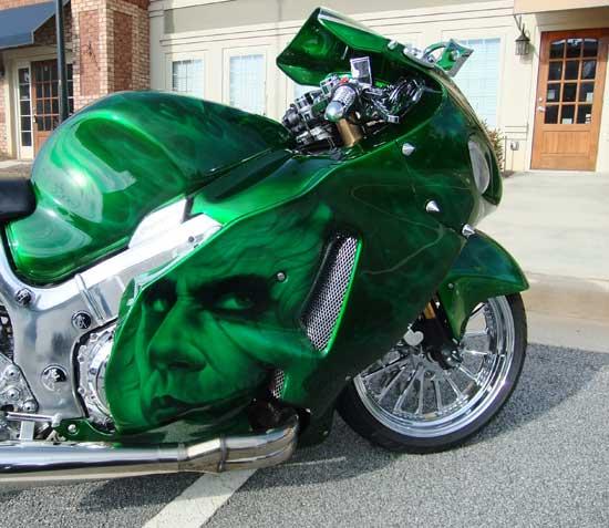 Эффектная аэрография качественной краской – это инвестиция во внешний вид мотоцикла