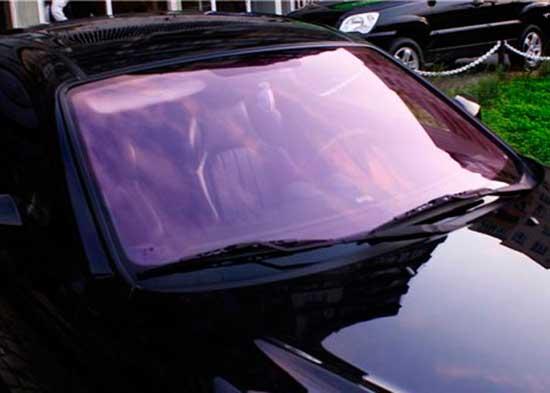 Цветная пленка в тон кузова на лобовом стекле