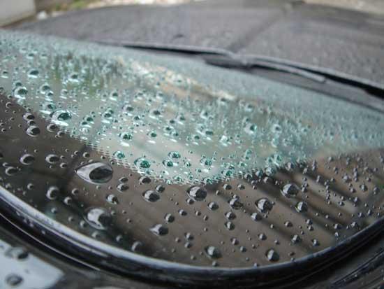 Эффект тефлонового покрытия на стекле