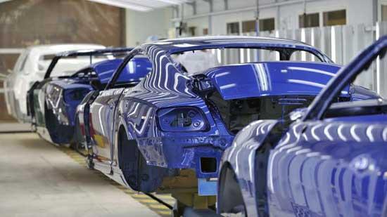 В заводских условиях детали кузова окрашиваются полностью