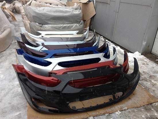 Новые бамперы бывают уже покрашенными, и если автомобиль еще не успел выгореть, то такая деталь ему подойдет.