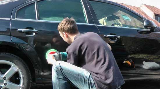 Перед продажей многие автомобилисты самостоятельно полируют кузов, при этом не всегда делают это правильно, поскольку дальнейшая судьба ЛКП их мало интересует.
