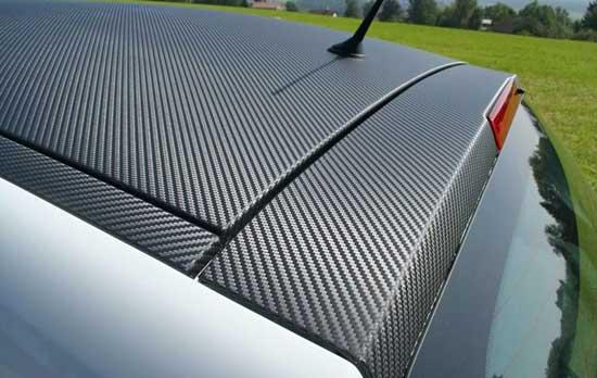 Тюнинг крыши автомобиля может быть выполнен при помощи пленки, которую при необходимости легко снять, не повредив родное ЛКП.