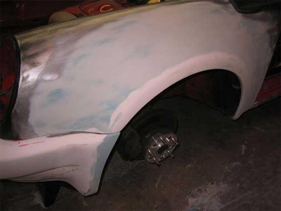 Занимаясь подготовкой автомобиля к покраске, необходимо устранить все дефекты кузова при помо