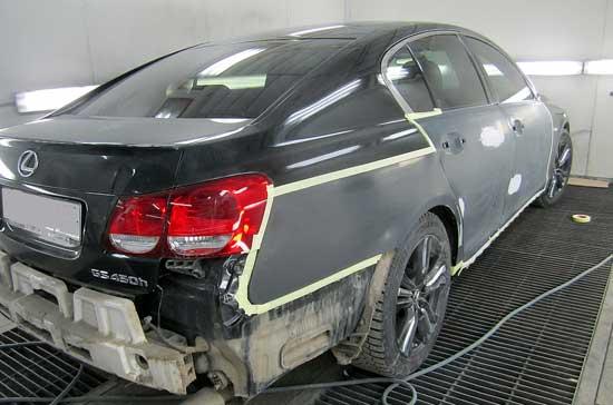 Одна из задач покраски переходом — сохранение максимально большой площади родного ЛКП автомобиля, и далее поделимся секретами такого ремонта.