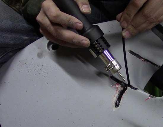Пайка бампера пластиковым припоем — самый надежный способ ремонта, однако очень важно учитывать вид пластика.