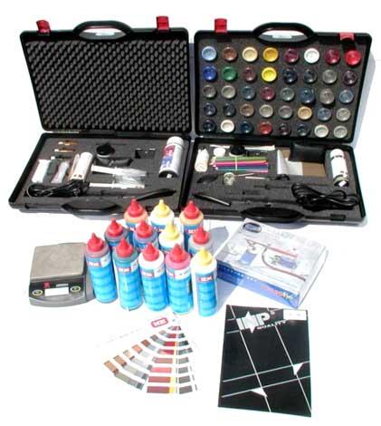 В продаже имеются профессиональные наборы для ремонта автомобильных отделок, при помощи которых можно устранить практически любые повреждения.