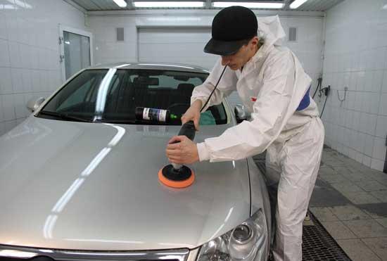 Технология полировки автомобиля в общих чертах известна всем, но очень немногие до конца знакомы с самими процессами, о которых далее поговорим детально.