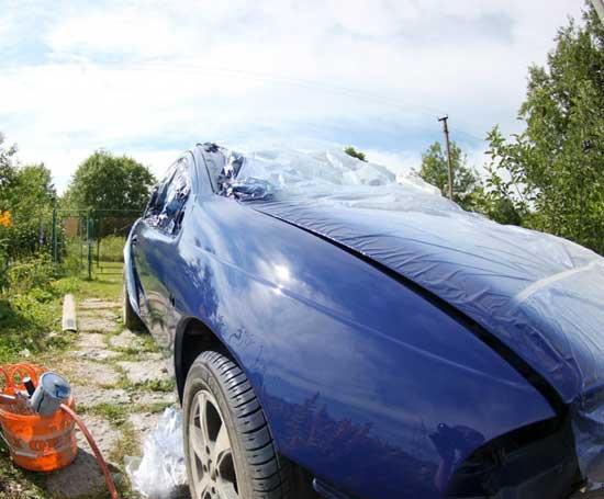 Акриловые эмали обладают отличными эксплуатационными качествами, и несмотря на то, что они выглядят простовато, находят широкое применение в автомобильной покраске.