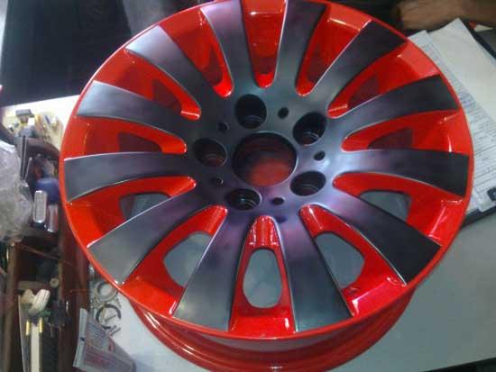 При двухцветной покраске форма диска сама подскажет какой цвет куда наносить.