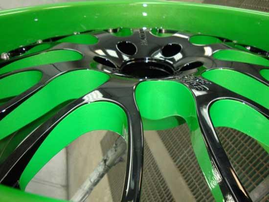 Качественная покраска дисков в два разных цвета требует максимальной аккуратности, а также знания некоторых секретов...