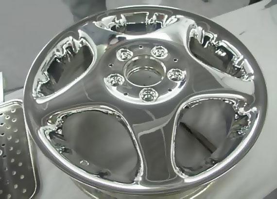 Результат полировки колесных дисков не уступает гальваническому хромированию и при этом имеет ряд преимуществ.