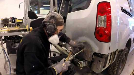 Качественная рихтовка автомобиля своими руками вполне возможна, но только при наличии опыта и инструментов...