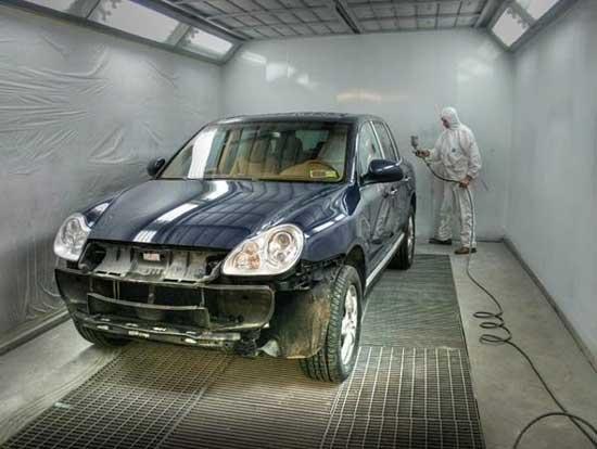 Покраска авто, даже выполненная своими руками, может и должна быть качественной, важно лишь придерживаться технологии, о которой мы и поговорим далее...
