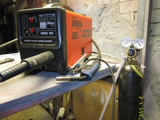 Инверторные полуавтоматы с возможностью подачи газа варят алюминий и его сплавы, благодаря чему стали широко востребованными у автомобилистов.