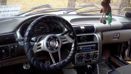 Гораздо приятнее ездить на автомобиле, салон которого выполнен из качественных материалов, но, к сожалению, оригинальные отделки Москвича 2141 таковыми не являются.