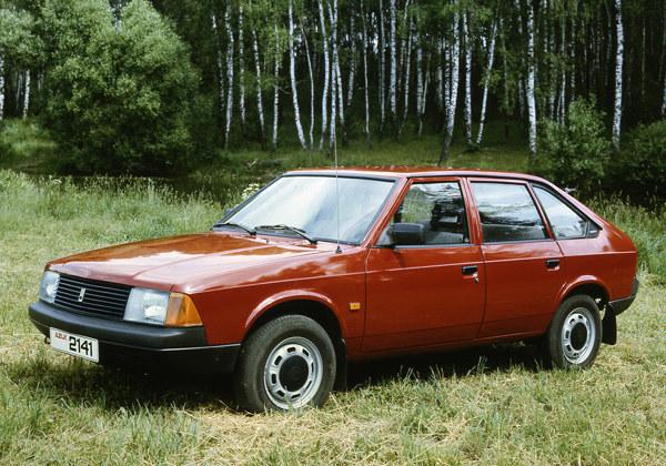Москвич 2141 в оригинальном состоянии у многих вызовет ностальгию, и надо сказать, что дизайн у этой модели получился действительно долгоиграющим.