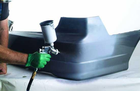 Бампер — это та деталь, на которой многие автомаляры научились владеть пульверизатором.