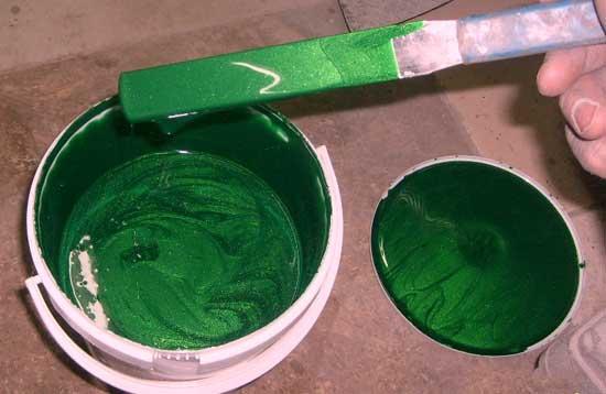 Цвет металлик сложен в подборе, поскольку содержит светоотражающую алюминиевую пудру.