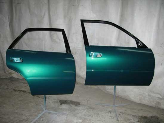 Покраска дверей автомобиля может быть выполнена своими руками, этапы и нюансы этой работы будут рассмотрены ниже