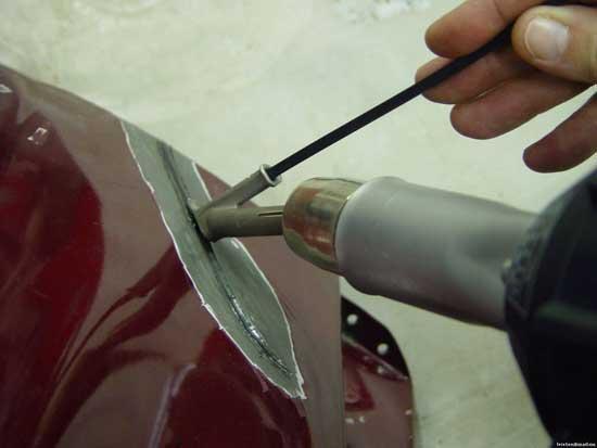 Паяльная станция позволяет ремонтировать пластиковые детали без использования армирования