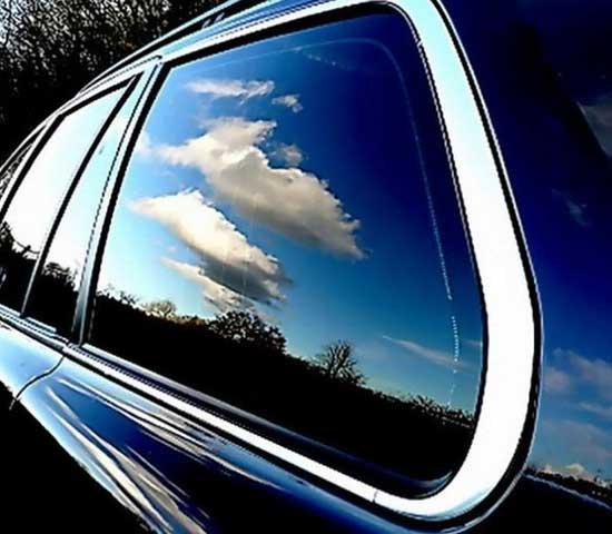 Поговорим о важных преимуществах регулируемой тонировки стекол автомобиля...
