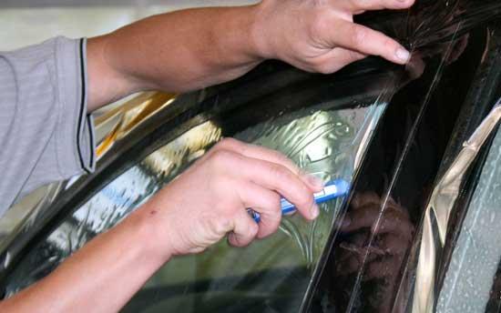 Выясняем, как правильно затонировать стекла своего автомобиля...